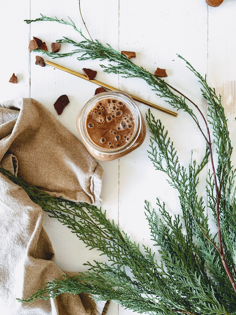 vegan gingerbread smoothie